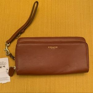 NWT Coach New York Double Zip Wallet & Wristlet